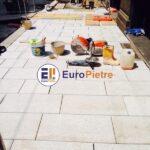 Pulizia ordinaria dei pavimenti per esterno in pietra