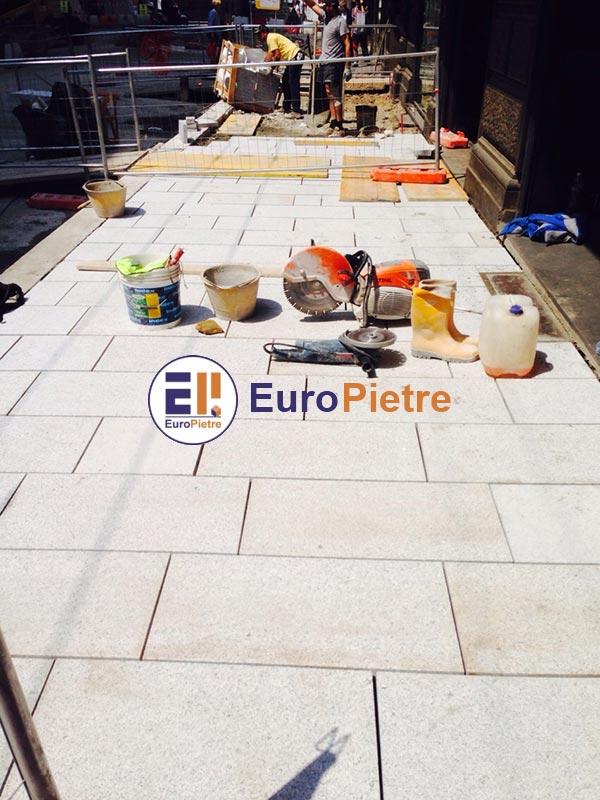 Pulizia ordinaria dei pavimenti per esterno in pietra - EuroPietre Cuneo