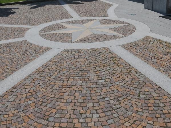 Pavimentazione per esterni in pietra naturale europietre - Pavimentazione cortile esterno ...