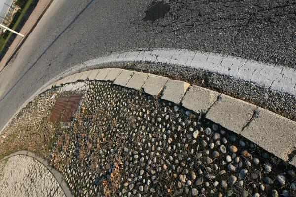 cordoli-in-pietra-viale