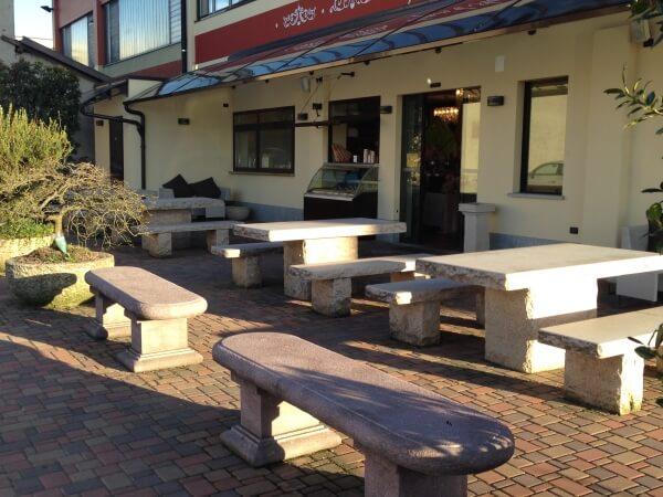 tavoli-da-in-pietra-bar