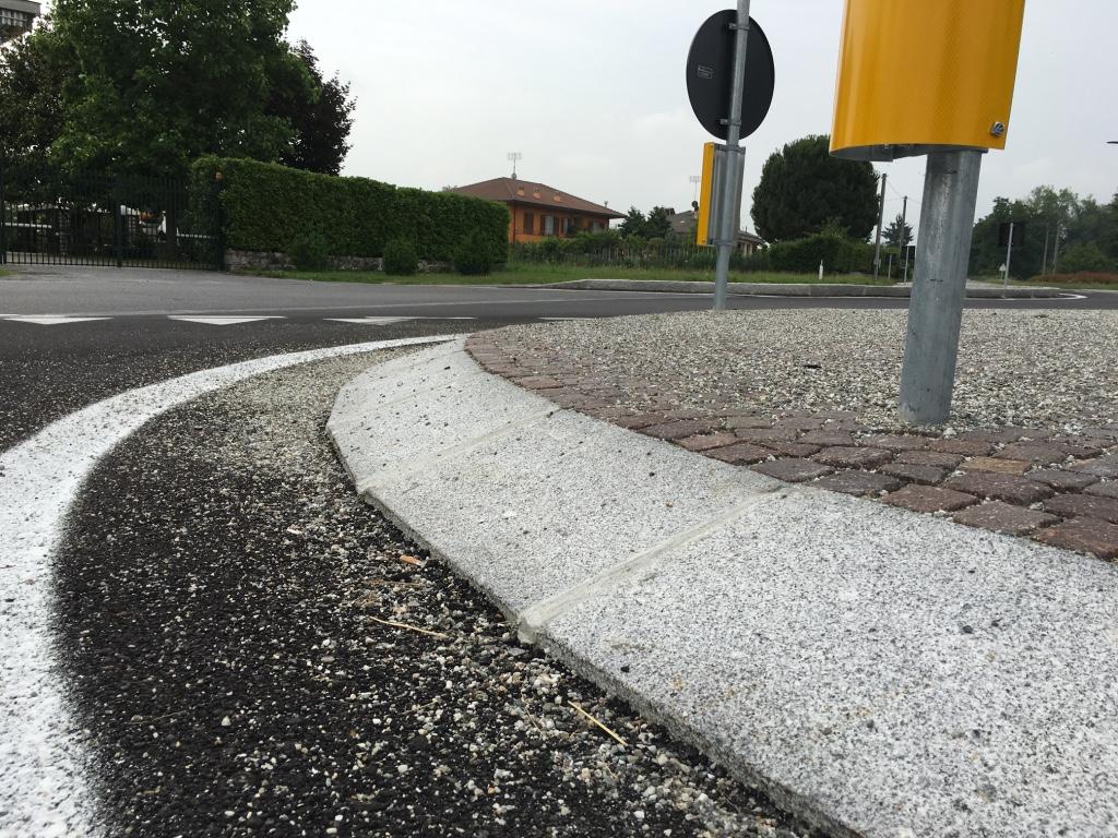 Rotonda con cubetti in granito europietre